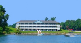 hotels smith mountain lake