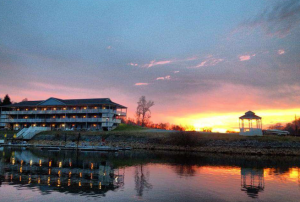 Smith Mountain Lake hotels